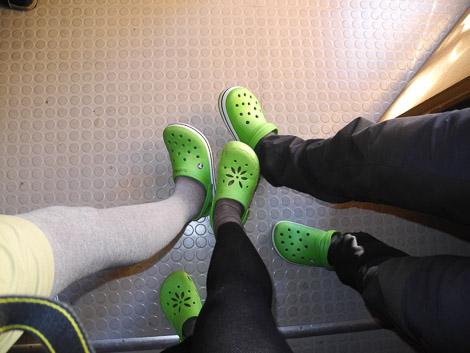 Grüne Schuhe - nur orange ASICS Polarstiefel sind häufiger (Franzi, Martin und meine)
